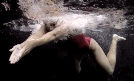 วิธีว่ายน้ำท่ากบ 3